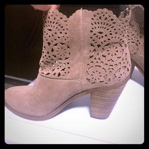 Jessica simpson bootie Never worn